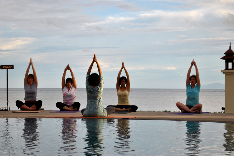 Try These 10 Easy Yoga Asanas To Lose Weight In 2018 The